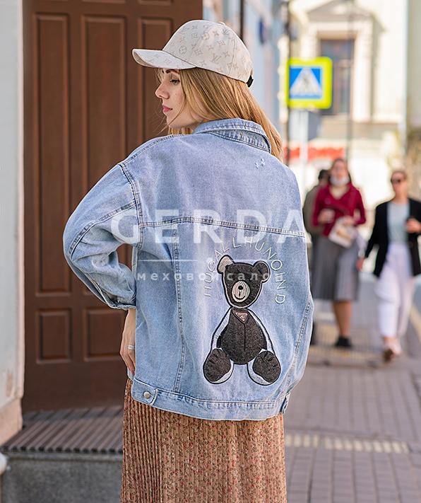 Джинсовая куртка с аппликацией Мишка