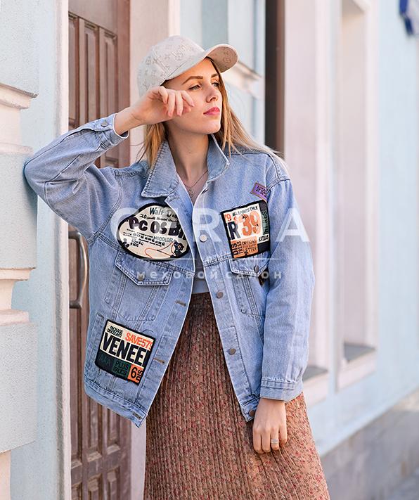 Джинсовая куртка Стикеры голубая
