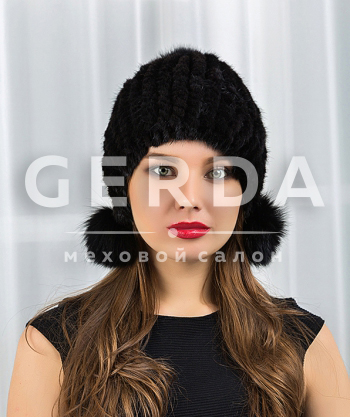 Вязаная шапка с норкой черная