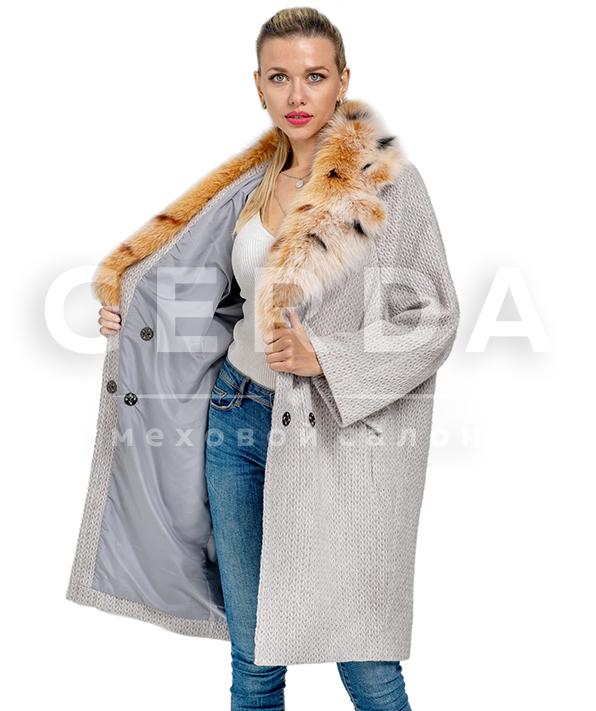 Пальто шерстяное с меховым воротником
