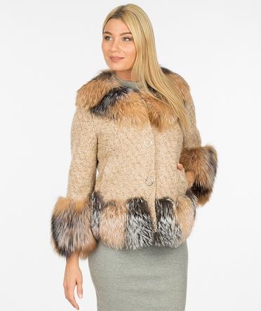Пальто с мехом короткое