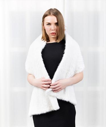 Белый норковый шарф