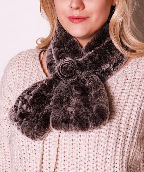 Меховой шарф-розочка