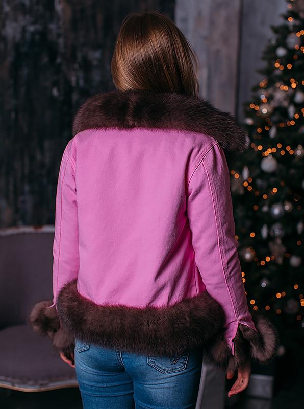 Розовая джинсовка с мехом песца