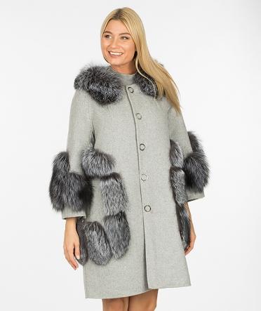 Пальто с мехом чернобурки
